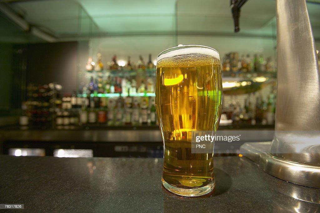 Glass of beer : Bildbanksbilder