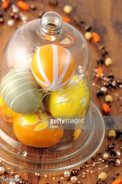 Verre de ornement Oeuf de Pâques avec un collier en perles