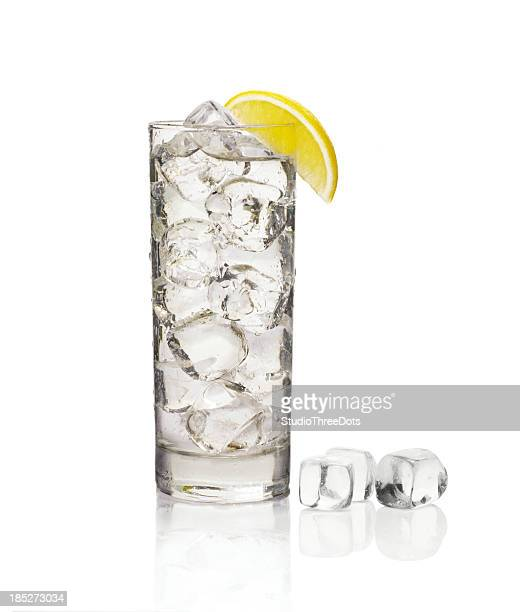 glass of soda with ice