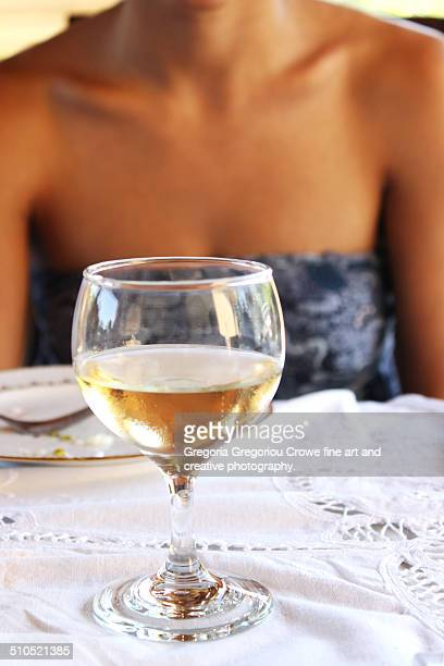 glass of white wine - gregoria gregoriou crowe fine art and creative photography. fotografías e imágenes de stock