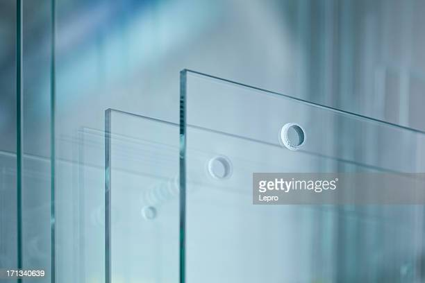 glass - glas materiaal stockfoto's en -beelden