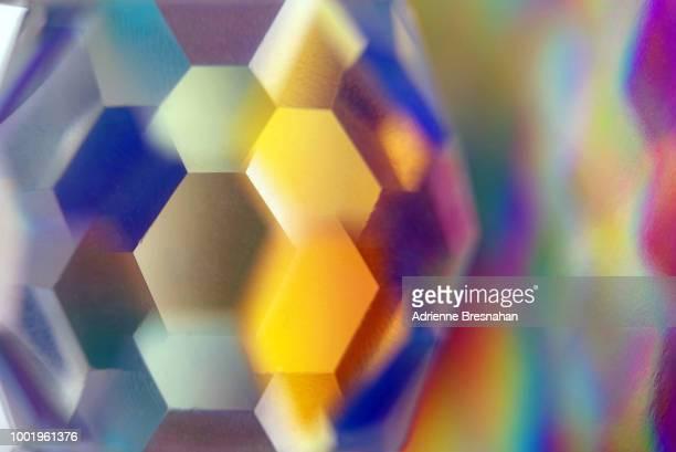 glass prism abstract design - geometriestunde stock-fotos und bilder