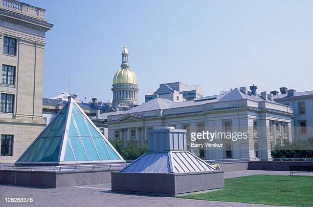 glass pyramid on state plaza, trenton , nj - trenton new jersey stock photos and pictures