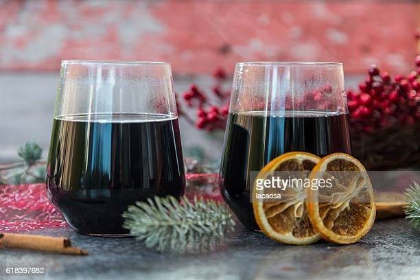 glasses of mulled wine with slices of orange