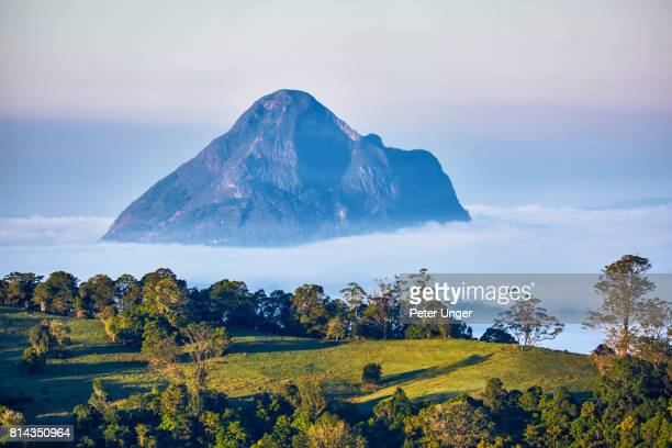 glasshouse mountains,sunshine coast hinterlands,queensland,australia - glass house mountains stock pictures, royalty-free photos & images