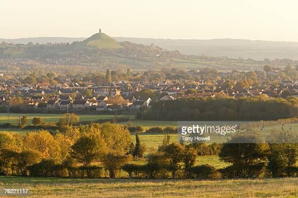 glastonbury tor at sunrise, somerset, england, united kingdom - tony howell stock pictures, royalty-free photos & images