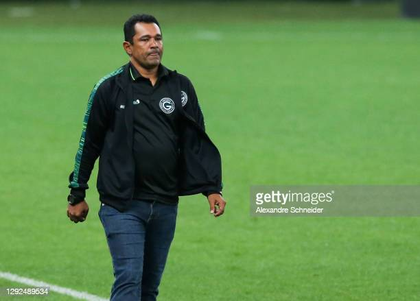 Glauber Ramos, head coach of Goias looks on during the match against Corinthians as part of Brasileirao Series A 2020 at Neo Quimica Arena on...