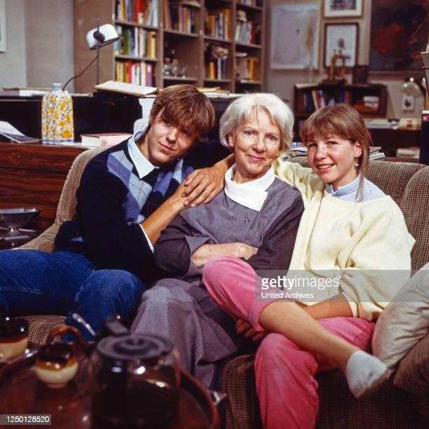 Glücklich geschieden, Fernsehserie, Deutschland 1985, Darsteller: Claudio Toscani, Elfriede Kuzmany, Karolin Keilbar.