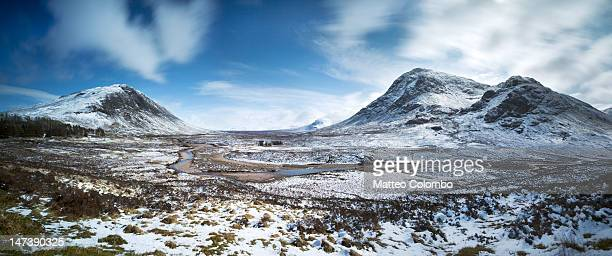 glen coe valley - grass area stock pictures, royalty-free photos & images