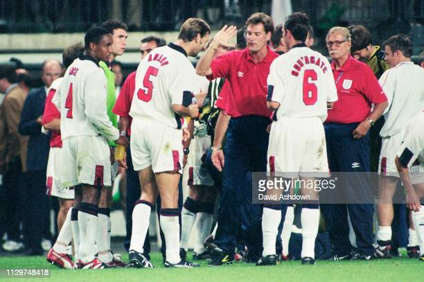 Glen Hoddle with the team before the penalty shoot out during FIFA World Cup in France at the State GeofforyGuichard in SaintEtienne 30th June 1998