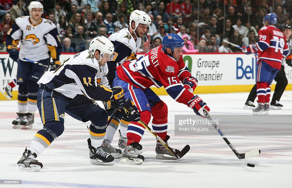 Buffalo Sabres v Montreal Canadiens : News Photo