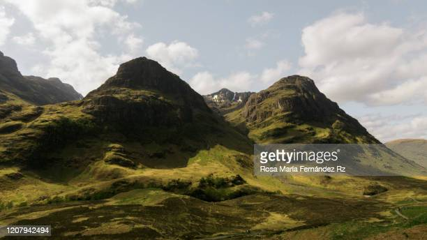glencoe pass in the scottish highlands near glencoe, scotland, united kingdom - glencoe scotland stock pictures, royalty-free photos & images