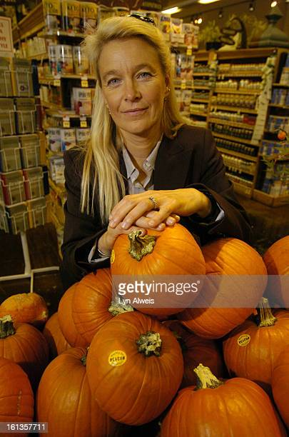 Oct 26 2005Nell Newman <cq> is President of Newman's Own Organics She is the daughter of actors Paul Newman and Joanne Woodward Nell greeted people...