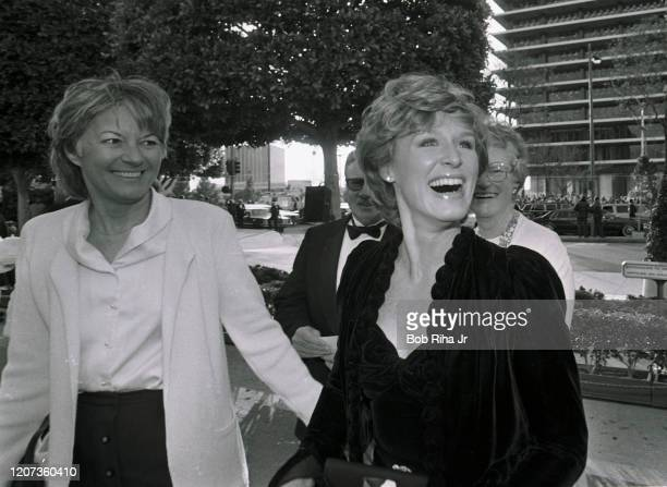 Glenn Close arrives during the 55th Annual Academy Awards at the Dorothy Chandler Pavilion, April 11, 1983 in Los Angeles, California.