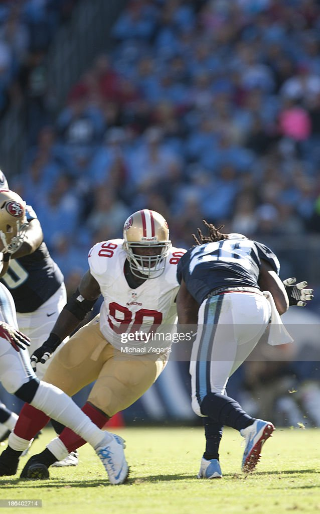 San Francisco 49ers v Tennessee Titans : News Photo