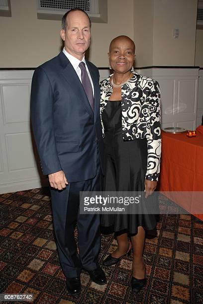 Glenn Dubin and Verona Middleton-Jeter attend Henry Street Settlement 2007 Gala at 583 Park Ave on October 18, 2007 in New York City.