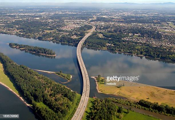 i-205 glenn jackson bridge war vetrans memorial freeway  oregon washington - washington state stock pictures, royalty-free photos & images