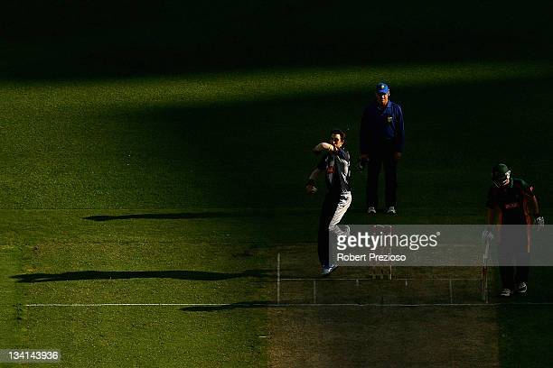 Glenn Maxwell of the Bushrangers bowls during the Ryobi One Day Cup match between the Victoria Bushrangers and the Tasmania Tigers at Melbourne...