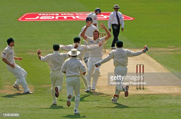 Glenn McGrath's 500th Test wicket. Congratulations after Trescothick had been caught by Langer., England v Australia, 1st Test, Lord's, Jul 05.