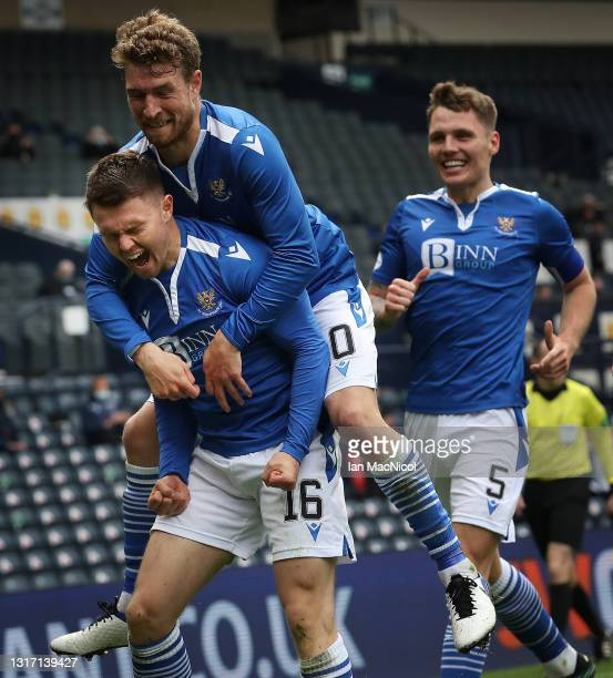 Glenn Middleton of St Johnstone celebrates withb team mate David Wotherspoon after scoring his team's second goal during the William Hill Scottish...