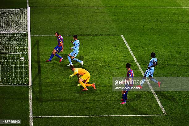 Glenn Murray of Crystal Palace scores the opening goal during the Barclays Premier League match between Crystal Palace and Manchester City at...