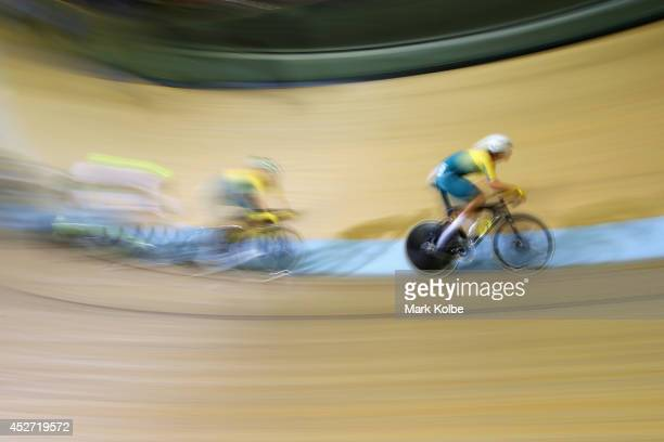 Glenn P O'Shea of Australia competes in the men's 40km points race quaifying round at Sir Chris Hoy Velodrome during day three of the Glasgow 2014...
