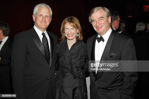 Glenn Schlossberg Patti Harris and Mark Lebow attend AMERICAN BALLET THEATRE 67th Annual Spring Gala at Metropolitan Opera House on May 14 2007 in...