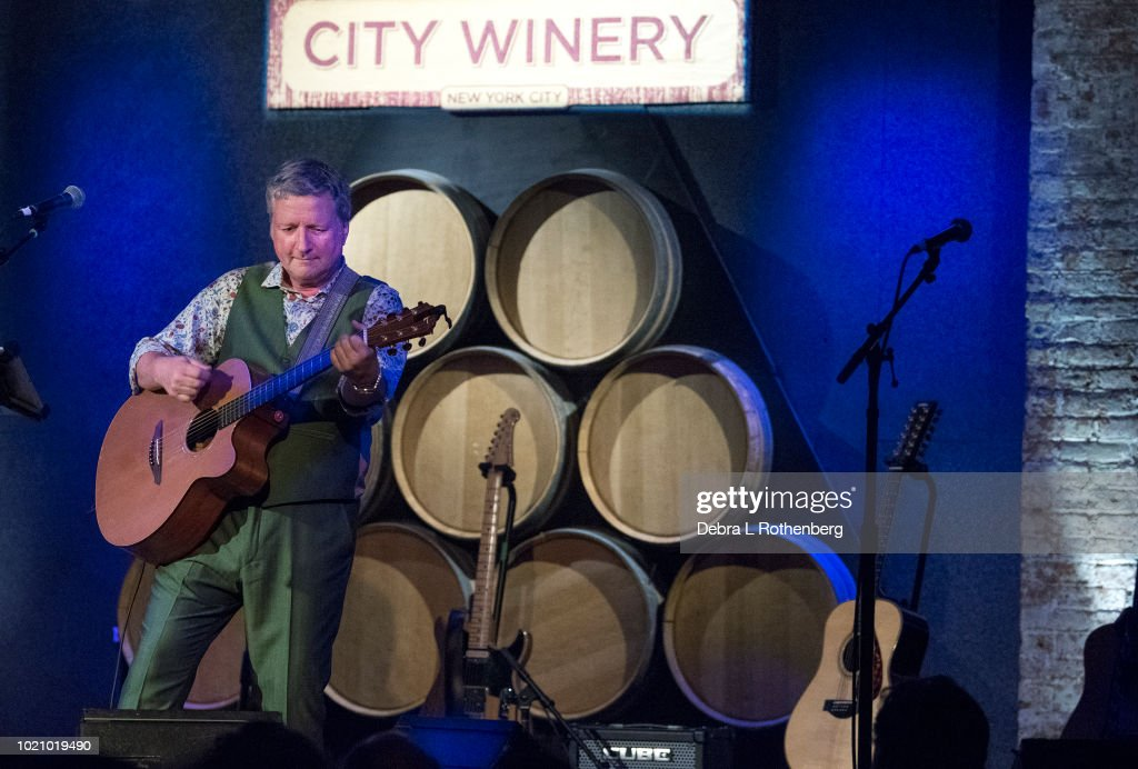 Glenn Tilbrook In Concert - New York, NY