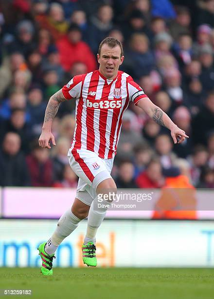 Glenn Whelan of Stoke City during the Barclays Premier League match between Stoke City and Aston Villa at the Britannia Stadium on February 27 2016...