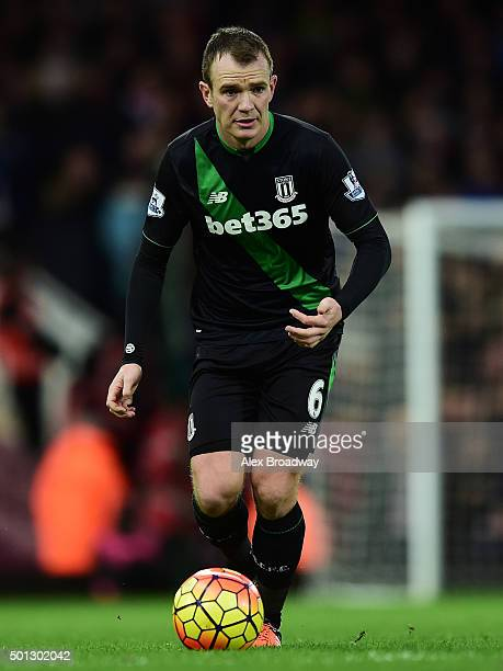 Glenn Whelan of Stoke City in action during the Barclays Premier League match between West Ham United and Stoke City at the Boleyn Ground on December...