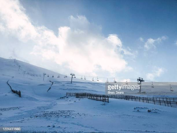 glenshee ski centre - alpine skiing stock pictures, royalty-free photos & images