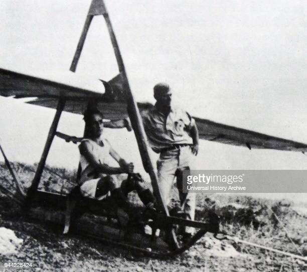 Glider crew of the Palavir the air force for the Palmas In 1945 the Palavir was developed as Palmach's air division The Palavir fell under the...