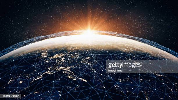 global communication network (world map credits to nasa) - mundo imagens e fotografias de stock