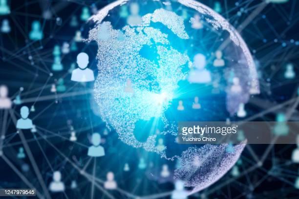 global people communication - gigante tecnológico fotografías e imágenes de stock