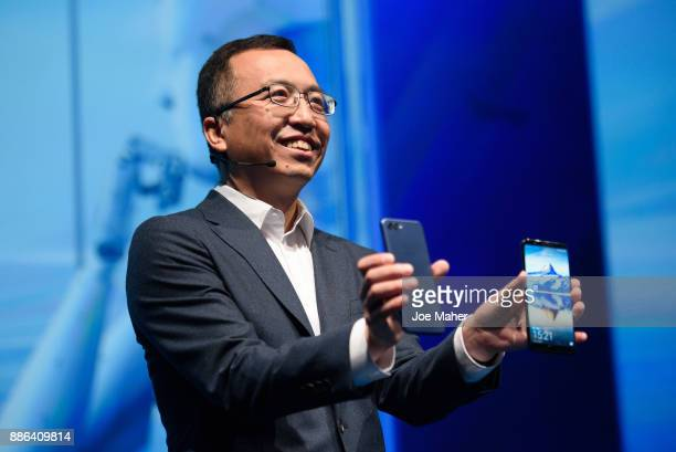 Global President of Honor George Zhao unveils two new Honor products Honor 7X a full view screen display handset and Honor V10 a new artificial...