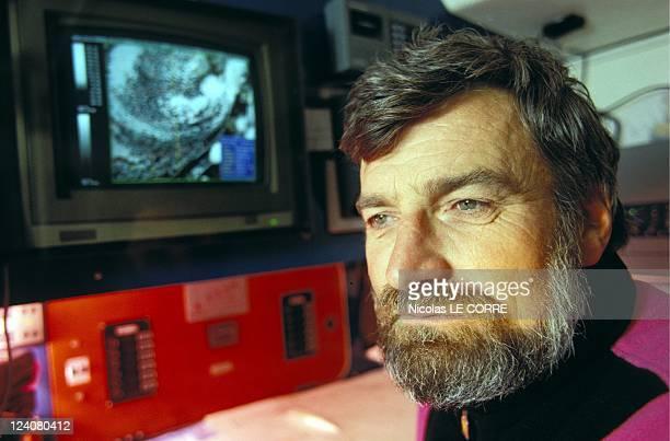 Globe Challenge high technologie In France On November 10 1992 JeanLuc Van den Heede skipper