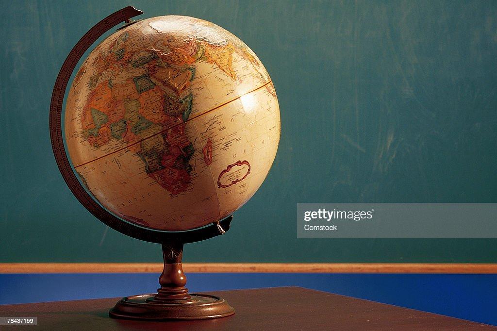 Globe in classroom : Stockfoto