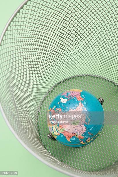 Globo en papel de la cesta