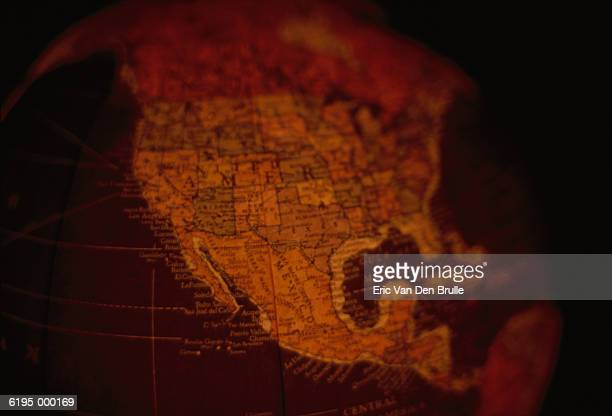 globe showing north america - eric van den brulle stockfoto's en -beelden