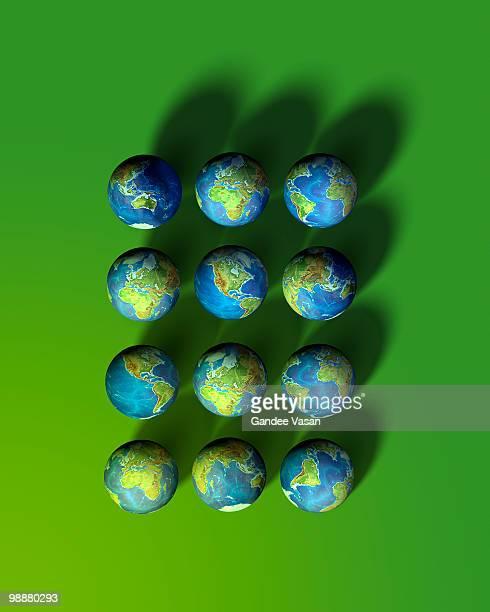 12 Globes
