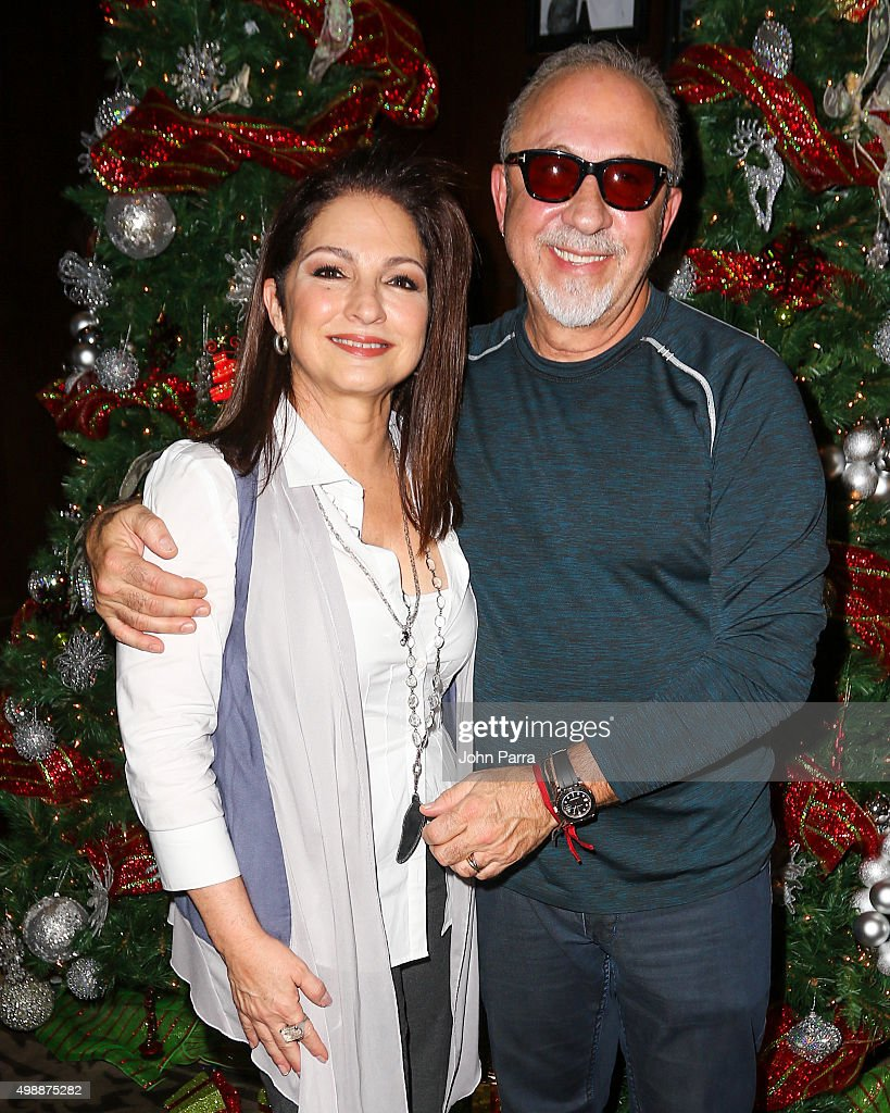 Gloria & Emilio Estefan Host 8th Annual Thanksgiving Feed A Friend
