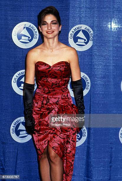 Gloria Estefan attends the 30th Annual Grammy Awards circa 1988 in New York City