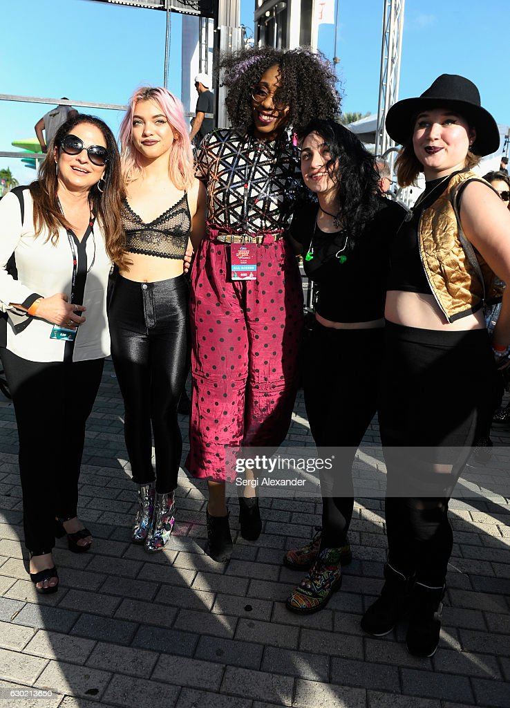Y100's Jingle Ball 2016 - PRE SHOW : News Photo