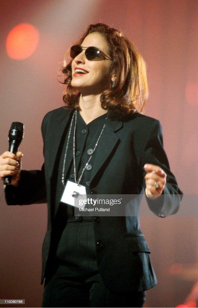 Gloria Estefan : News Photo