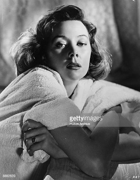 Gloria Grahame as Lucy Sherwood in the film 'The Man Who Never Was' directed by Ronald Neame and produced by 20th Century Fox