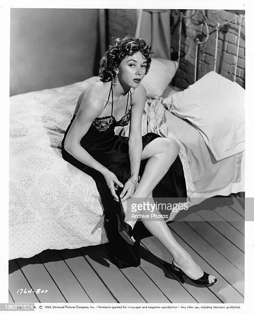 Gloria Grahame in state of undress in a scene from the film 'Naked Alibi' 1954