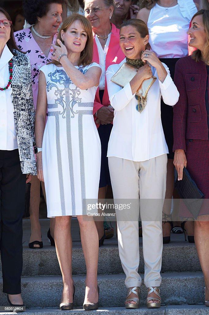 Gloria Lomana (L) and Sara Baras (R) attend the XXV FEDEPE awards ceremony at Retiro Park on July 26, 2016 in Madrid, Spain.