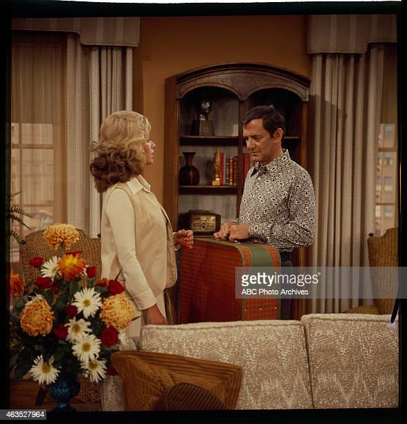 COUPLE Gloria Moves In Airdate September 14 1973 JANIS