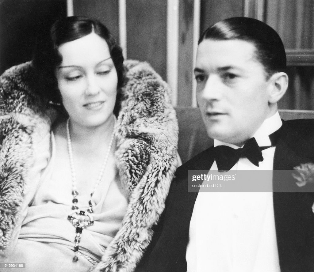 Husband May The 4th Be With You: Gloria Swanson *27.03.1899-+ Film Actress, USA With Her