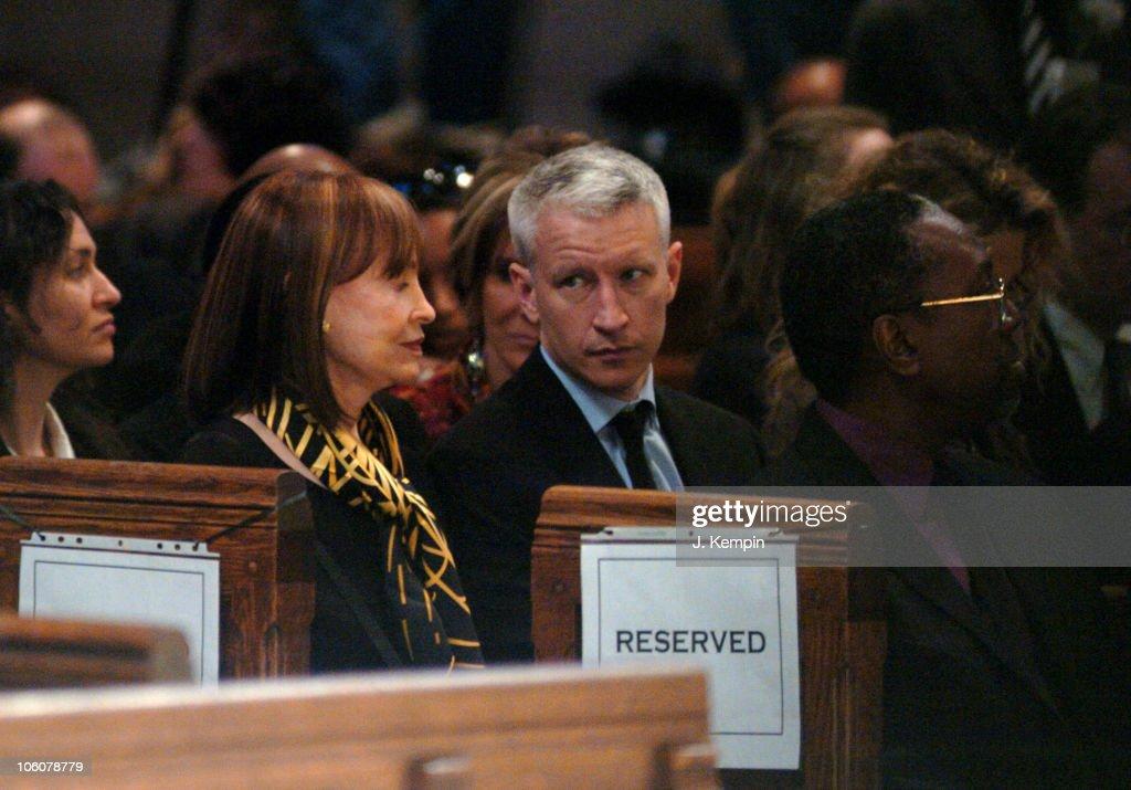 Funeral Service For The Late Photographer Gordon Parks : Fotografía de noticias